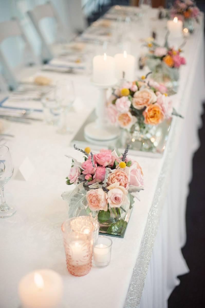 White wedding bridal arrangement with bbc - 4 4